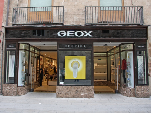 Geox: Foto, 2